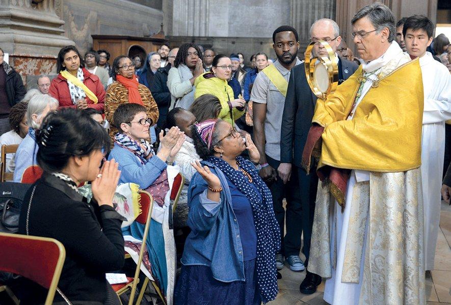 Prières de guérison, de délivrance et d'exorcismes, en présence de Mgr Michel Aupetit.
