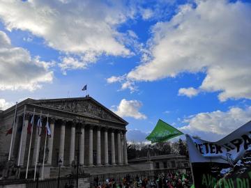 Paris: mobilisation contre la PMA pour toutes