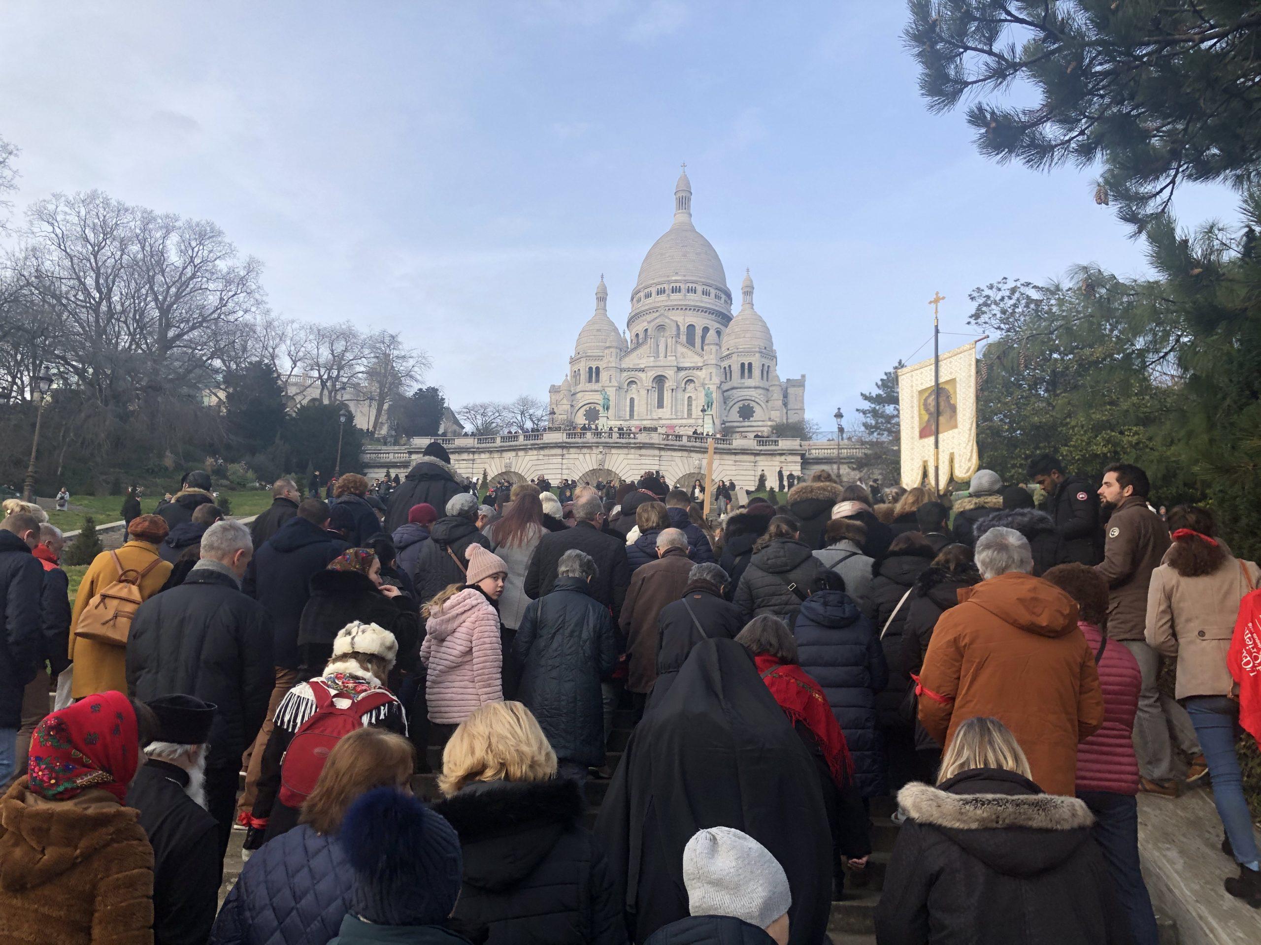 Paris: montée des chrétiens d'Orient à Montmartre