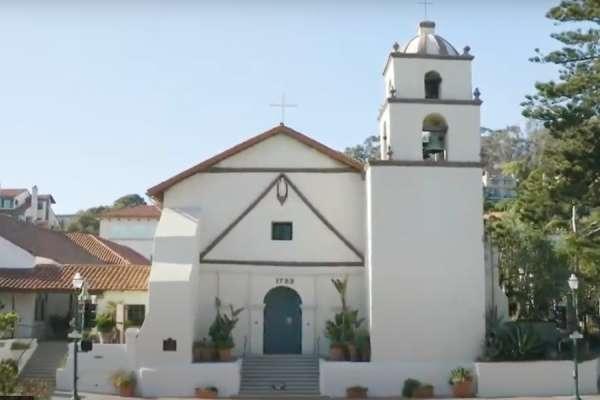 Le pape François érige l'église fondée par Saint Junípero Serra en basilique mineure