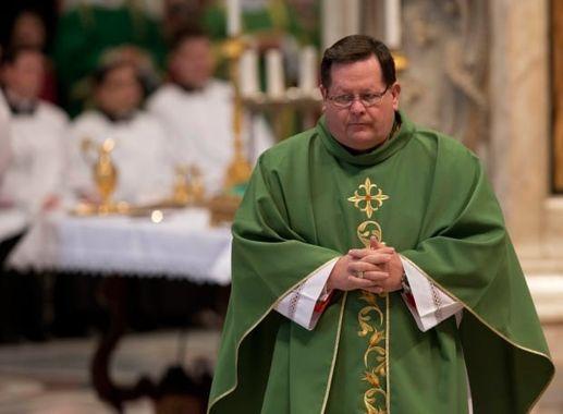 Québec: le cardinal Cyprien Lacroix interpelle les autorités publiques