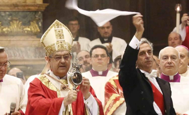 Naples: le miracle de la liquéfaction du sang de saint Janvier a bien eu lieu