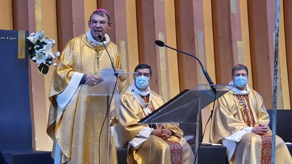 Créteil: installation du nouvel évêque