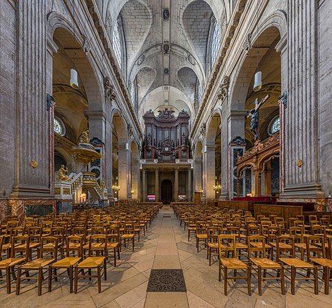 Paris: une chapelle pour les victimes du Covid
