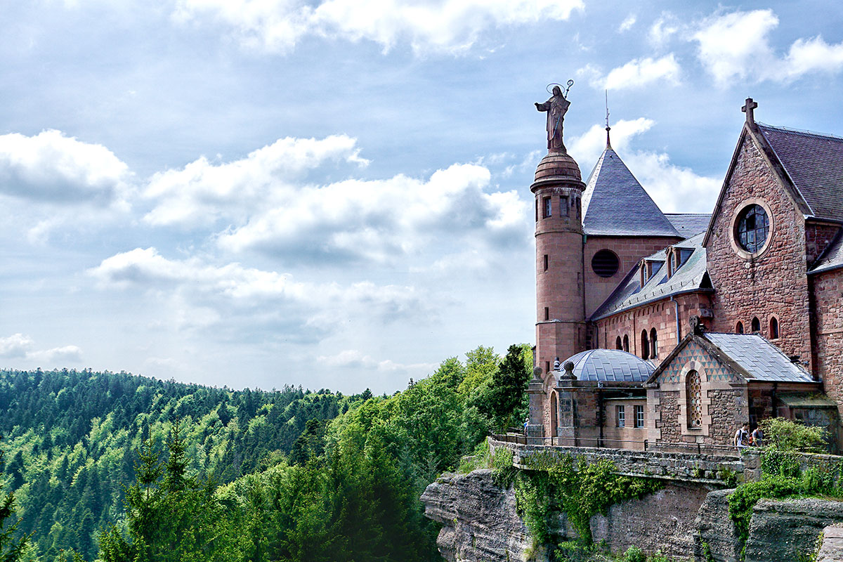 Mgr Luc Ravel dément l'intention de vendre le Mont Sainte-Odile