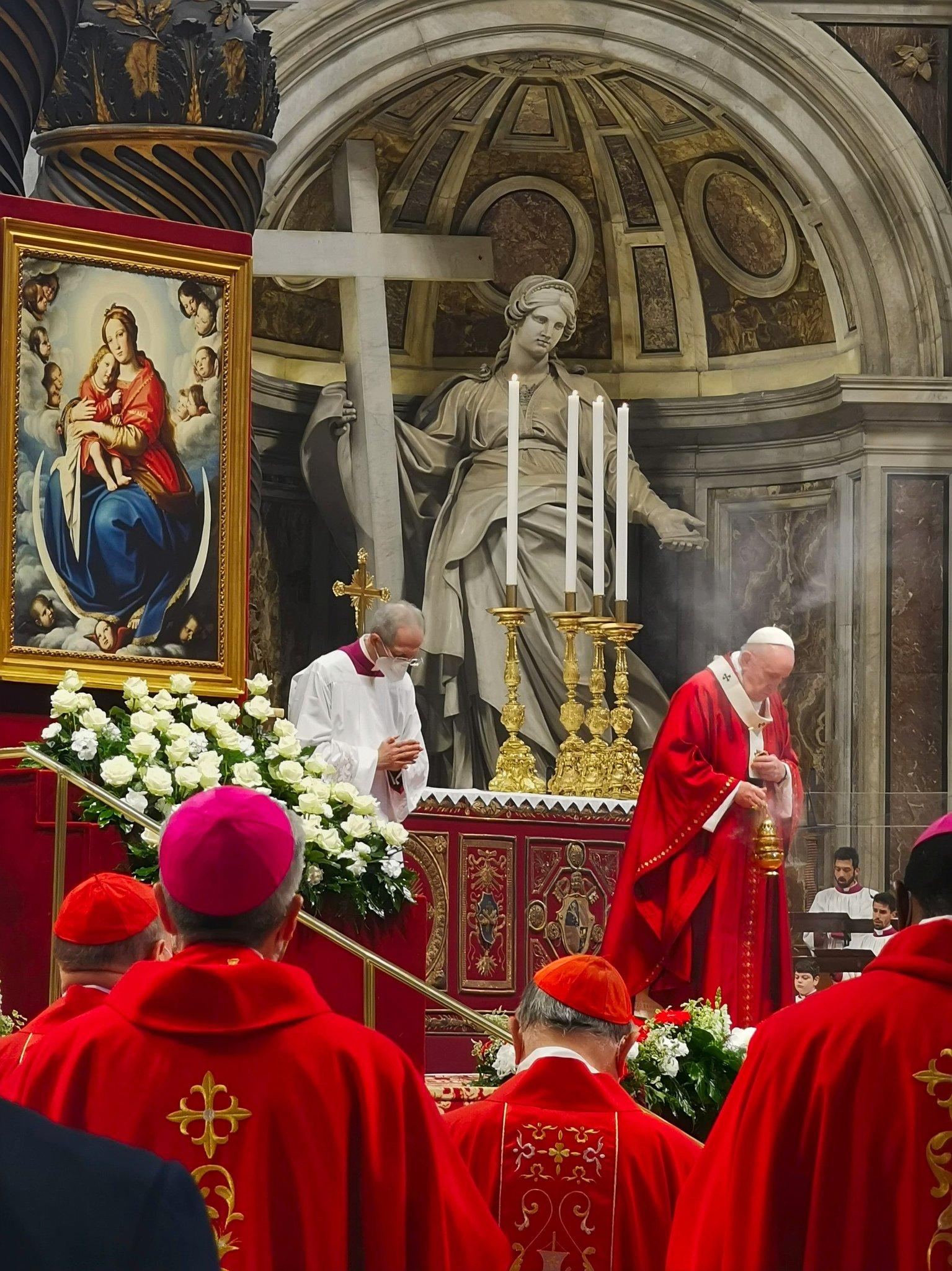 Le Pape François célèbre la Pentecôte à Saint-Pierre de Rome