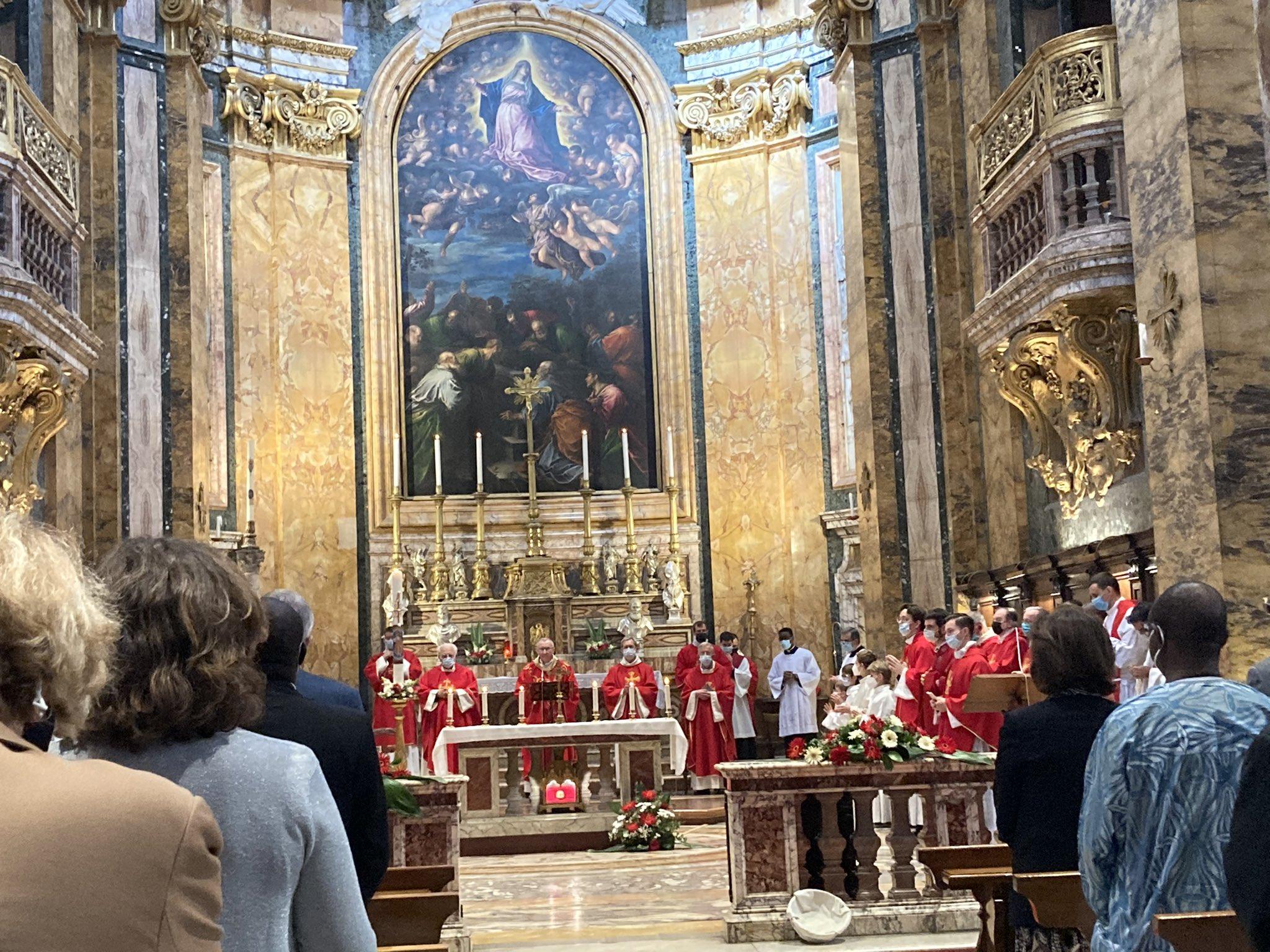 Rome: messe de Pentecôte à Saint-Louis des français en présence du cardinal Parolin