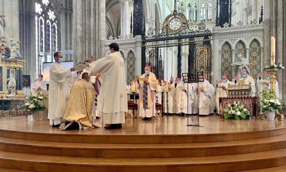 Ordination épiscopale de Mgr Gérard Le Stang nouvel évêque d'Amiens