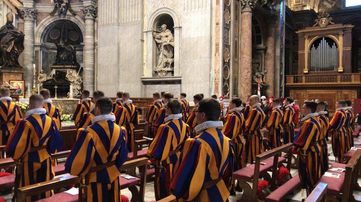 Rome: messe pour les nouveaux Gardes suisses