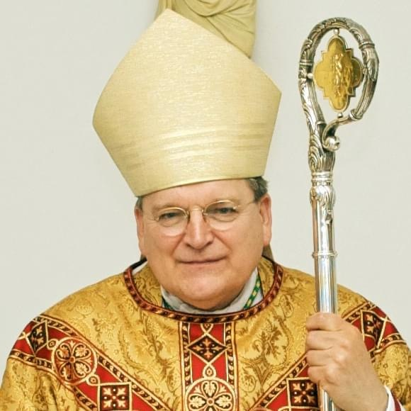 Le cardinal Burke placé en coma artificiel