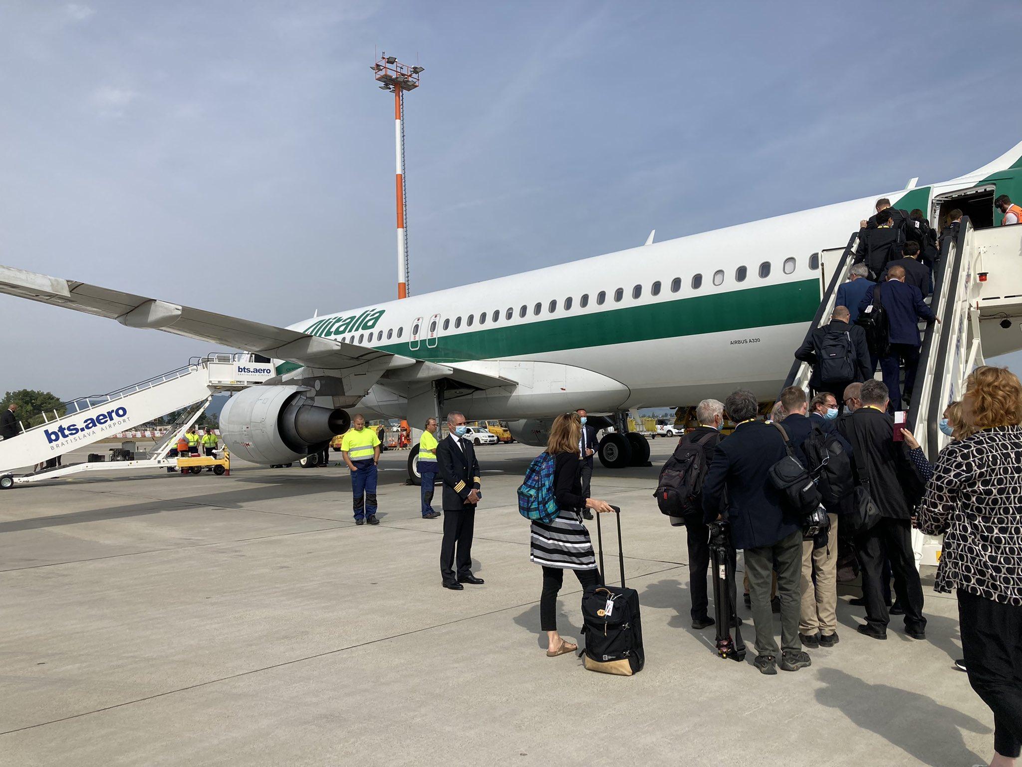 Retour du Pape à Rome et dernier voyage sur Alitalia