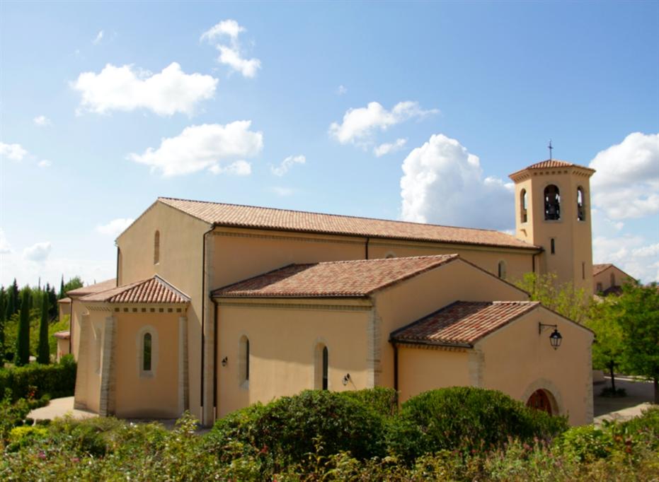À l'abbaye Notre-Dame de l'Annonciation les soeurs et les cigales chantent en coeur (Divine Box)